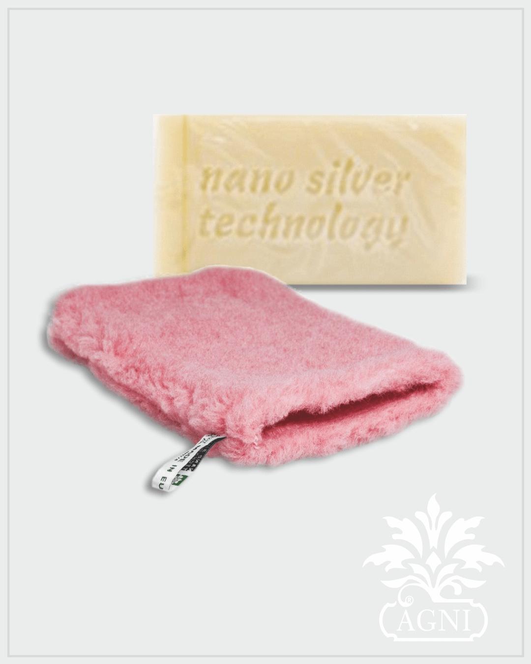 Raypath nano silver rinkinys su natūraliu muilu ir ROŽINE šluoste – pirštine valymui sausu būdu